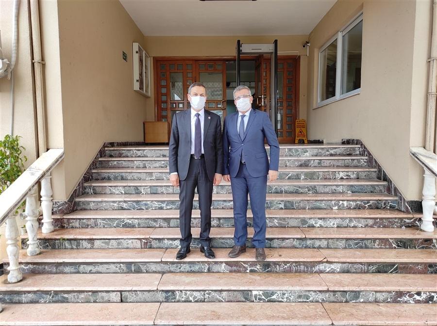 Hatay Vergi Dairesi Başkanı Sn. Cemil MÜSEVİTOĞLU Bölge Müdürümüz Sn. Hayrettin YILDIRIM'ı makamında ziyaret etti.